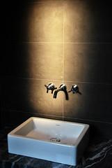 Envie de simplicite (a.audouard) Tags: paris lumiere robinet d60 salledebain duravit aaudouard