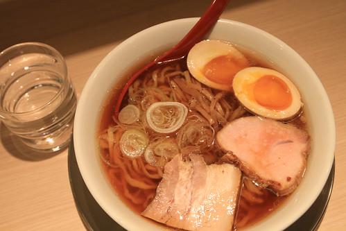東京ラーメンストリート 麺や 七彩