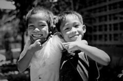 el Nido, Palawan, Philippines (green.pit) Tags: travel portrait people blackandwhite bw blancoynegro monochrome children blackwhite reisen nikon asia asien southeastasia sdostasien child f14 14 philippines sigma bn sw dslr schwarzweiss filipinas viajar palawan tavel dx philippinen 30mm 2011 3014 d7000 nikond7000 pitgreenwood