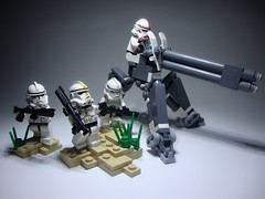 'umphed' 7655 Clone Trooper Battlepack (jestin pern) Tags: 2005 fiction terrain trooper army star lego space science cannon laser fi wars clone turret sci legion blaster upgraded 7655 battlepack