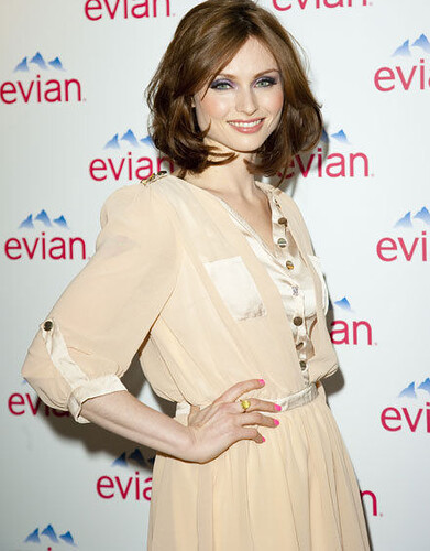 Sophie Ellis-Bextor in Own The Runway's chiffon dress 18.04.11