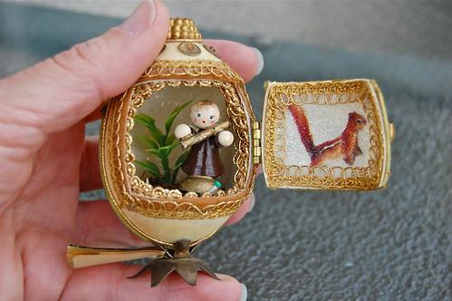 vintage wood sprite egg