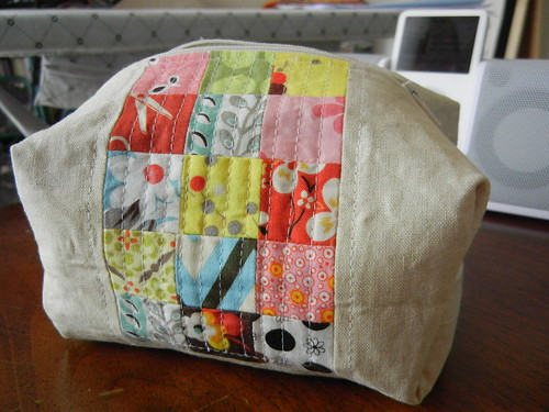 Pretty {little} Pouch - finished! #2