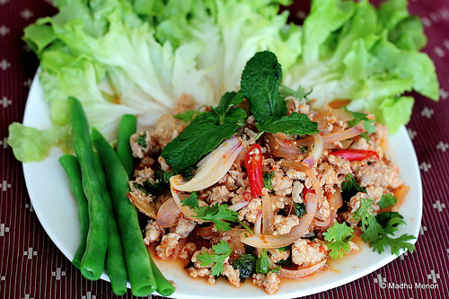 Laab Kai - Thai Hot n' Sour Chicken Salad