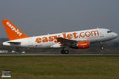 G-EZIT - 2538 - Easyjet - Airbus A319-111 - Luton - 110328 - Steven Gray - IMG_3198