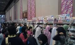 Suasana di Karangkraf Mall