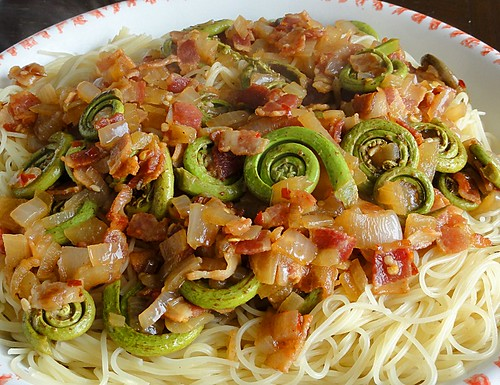 Fiddleheads and bacon pasta