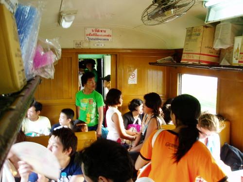 列車(アユタヤ - バンコク)