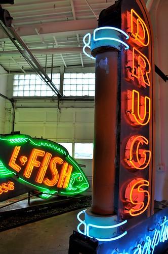 Vintage Neon Signs 2