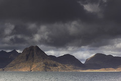 OMINOUS TIMES (Steve Boote..) Tags: cloud mountains landscape scotland isleofskye innerhebrides peninsula bothy cuillin elgol marsco camasunary strathaird lochscavaig sgurrnastri sgurrnagillean sigma50mmf18 steveboote canoneos550d