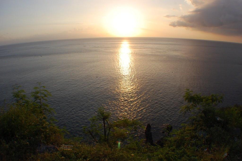 880 pemandangan pantai malimbu HD