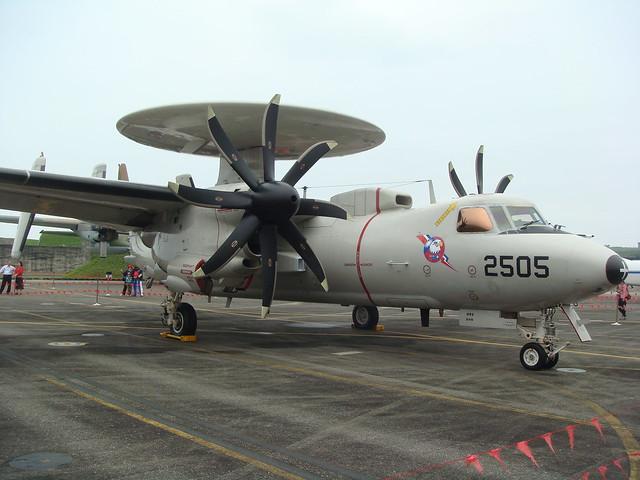 Taiwan envia mais dois E-2T Hawkeye para modernização nos EUA
