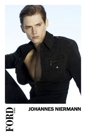 SS12 Paris Show Package Ford124_Johannes Niermann(MODELScom)