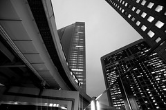 TOKYO-0477 (joe_lun) Tags: city building tokyo blackwhite streetphotography 2011  163528 5d2