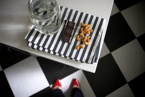 water, dark chocolate & cashews