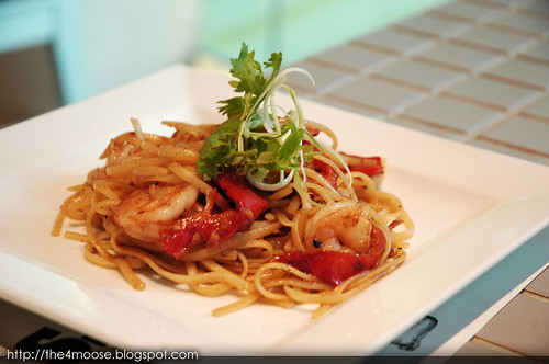 Food for Thought - Garlic Prawns with Coriander Linguine