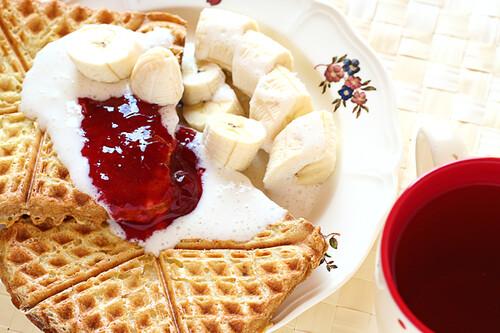Brekkie: Waffle Iron Baked French Toast