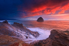 Cape Kiwanda,Pacific city,OR (Helminadia Ranford(Traveling)) Tags: sunset seascape oregon coast us bravo pacificcity helminadia capekiwanda cloudsstormssunsetssunrises lsclcomp