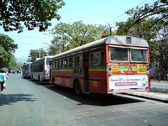 Queue for CNG (Akshay buses) Tags: india buses tata best maharashtra cerita cng busspotting kinglong magathane jnnurm