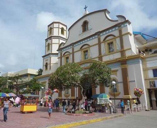 Panay-Roxas-plaza centrala (6)