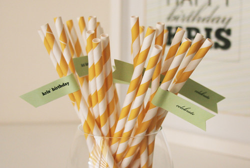 5645403168 0f18f3ccdf DIY Straw Flags with Printable Template   Tutorial