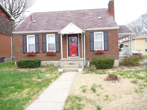Red Brick House What Color To Paint Foundation And