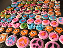 Hippie Chic para Clarita (Mily'sCupcakes) Tags: argentina cake cupcakes cookie peace buenos aires hippie chic pops toppers wrappers milys