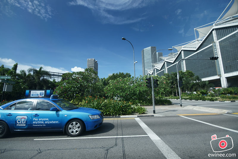 RANDOM-SINGAPORE-TRAFFIC-CARS-AND-BUILDINGS-2