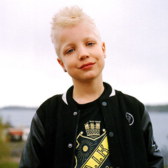 Simons new hairstyle! Yashica-D (whatfarstar) Tags: boy portrait color 120 6x6 kodak sweden d medium format mf portra vc yashica gossen aik yashikor digisix