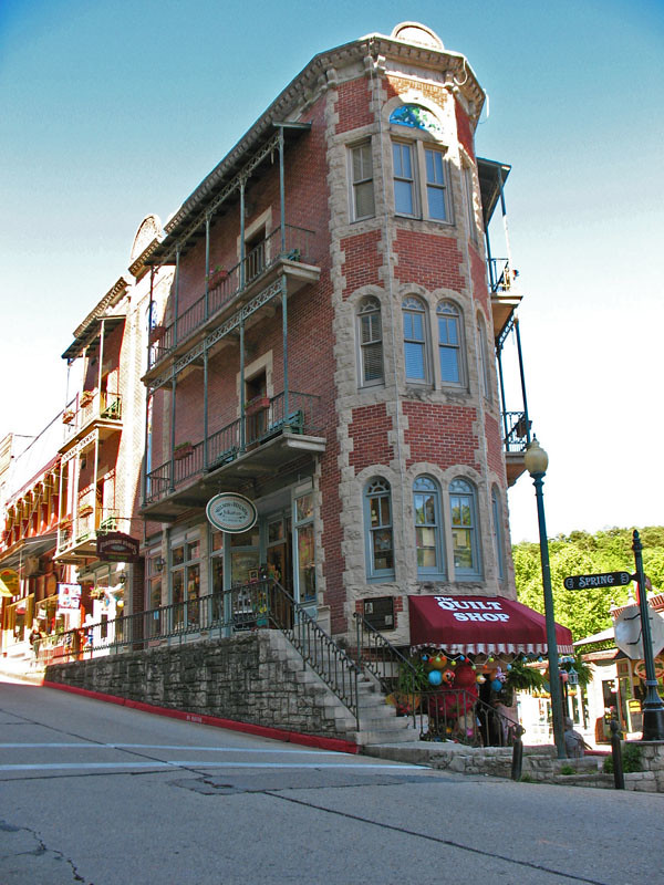eureka springs hotel 2