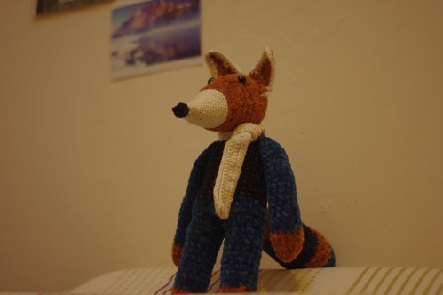 amigurumi #31 (reserved) looking up