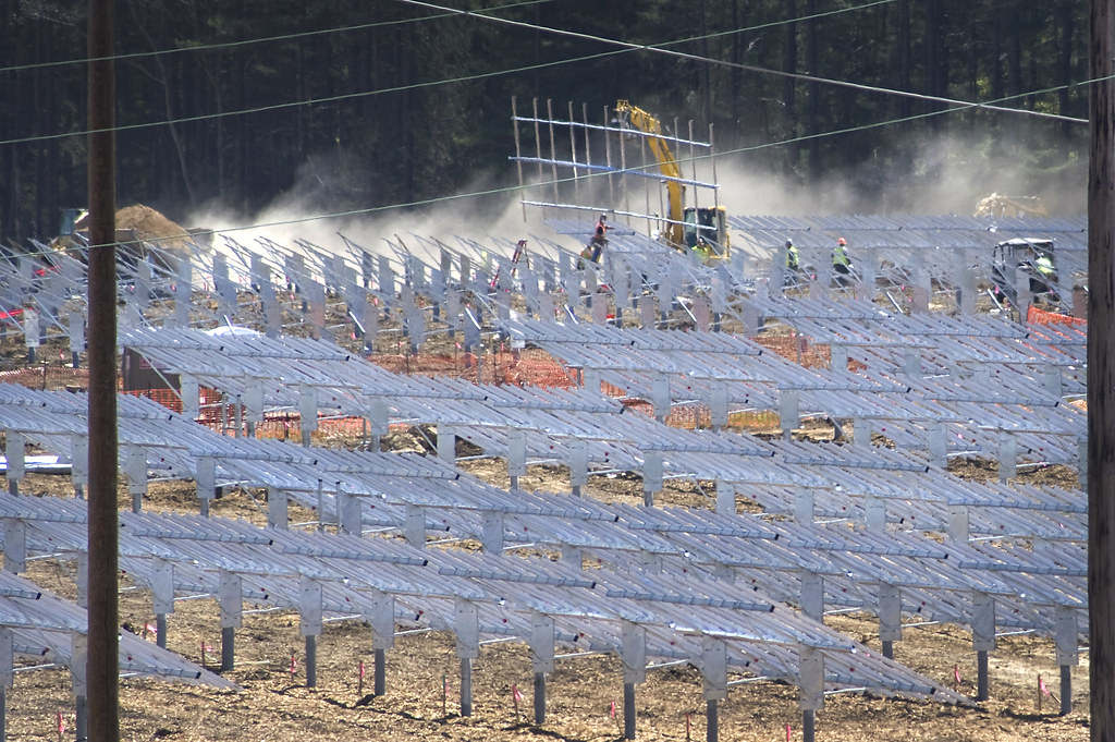 Construction of the Long Island Solar Farm