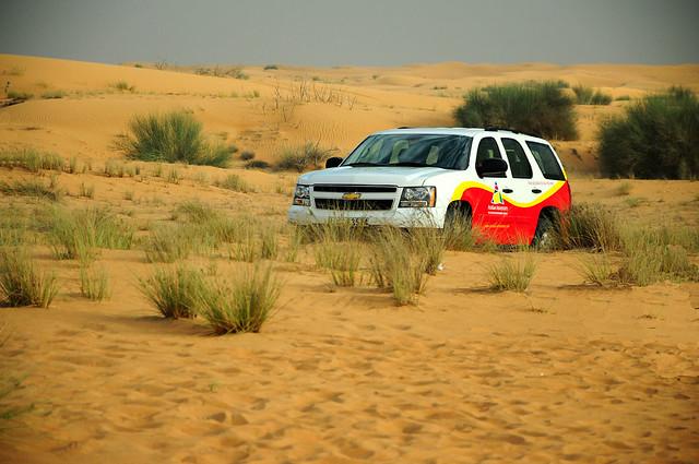 tourism dubai uae dunebashing desertsafari chevytahoe2013