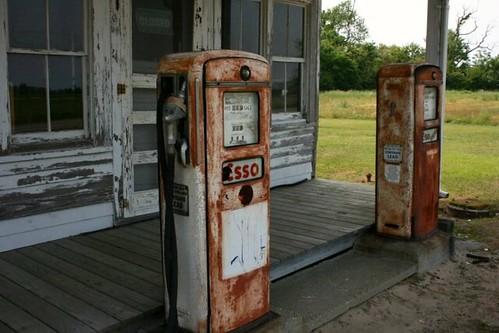 RustyEssoPumps