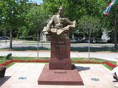 Novi Sad-Podbara - Uzeyir Hajibeyov Monument (Neotalax) Tags: novisad vojvodina monument composer azerbaijani serbia ujvidek neusatz