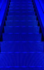 Azul - 002 (JEM02932) Tags: azul blue wall cho floor escada desk
