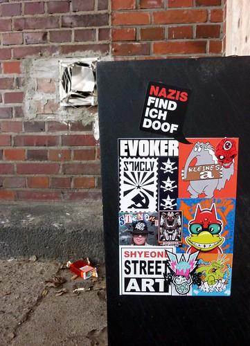 """Nazis find ich doof"" - Sticker Combo by SFC..Creature Ink."