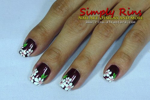 Nail Art White Flowers 01