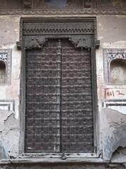 IMG_9474_75_76 (xsalto) Tags: houses maisons painted porte inde mandawa peintes