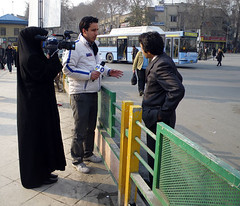 Interviewing on the Street (Kombizz) Tags: street people news bus cityscape veil iran young tehran tajrish interviewing chador yjc publicbus videomaker khabar 9169 islamicrepublicofiran blackchador kombizz tajrishsquare interviewingonthestreet jurnalistclub bashgahkhabarnegaranjavan
