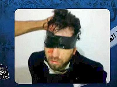 Vittorio Arrigoni prima dell'esecuzione