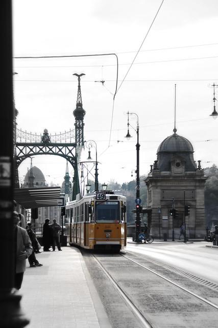 Tram near Szabadsag hid