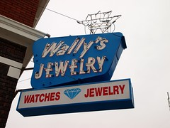 Wally's (Phydeaux460) Tags: old signs sign vintage neon tubes idaho signage glowing blackfootidaho olympuse30