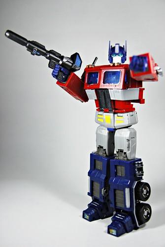 iGear's PP-01 Faith Leader aka Optimus Prime