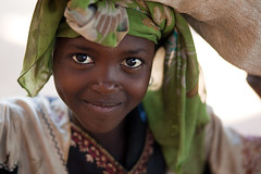 Princess   - NIGER - (C.Stramba-Badiali) Tags: poverty africa street portrait people cute girl beauty smile face niger person eyes expression african muslim islam yeux westafrica ethnic fille humanbeing complicity scarification visage afrique sahel catseyes blackpearl africaine hausa blackchildren blackskin housa ethno afriquedelouest ethnie zinder mirriah peaunoire 5dmkii christophestrambabadiali jamhuriyarnijar