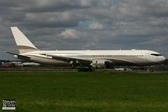 P4-MES - 33425 - Roman Abramovich - Boeing 767-33AER - 060907 - Luton - Steven Gray - IMG_6651