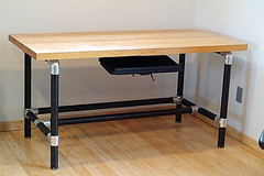 Kee Klamp Desk with Black Pipe