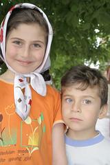 Children in the Kurdish village of Takab, Iran (Karin.Lakeman) Tags: boy girl children eyes iran headscarf kinderen iranian ogen koerdistan kurdish koerdisch kurds hoofddoek koerden takab hurdistan