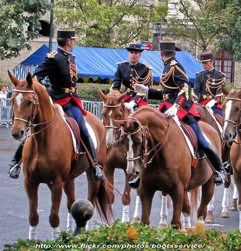 paris army spurs uniform boots riding cavalier uniforms rider garde cavalry weston bottes armée uniforme breeches cavalerie uniformes républicaine éperons