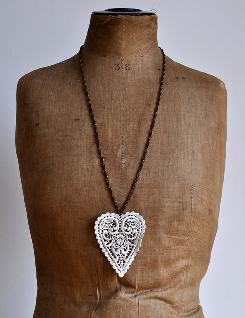 white heart long necklace